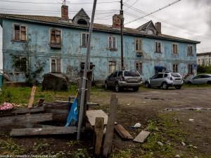 Наверное, без космоса и атома в России XXI века могло бы не быть трущоб, бараков и туалетов на улице