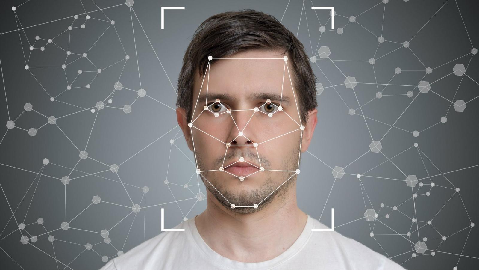 В России появится идентификация сотовых абонентов по лицу и голосу