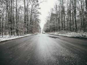 Снег затруднил движение на трассе М-5, особенно на «летней» резине