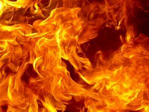 Взрыв на нефтяном танкере: на борту возник пожар