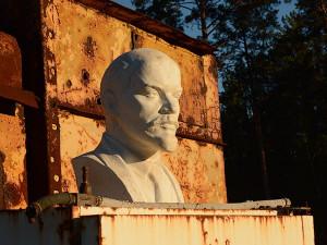 Ленин в лесу: где на дне морском можно встретить бюсты вождей прошлых эпох