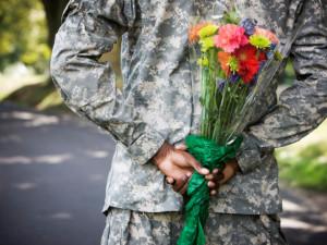 Солдат NATO заманили на фейковые свидания с девушками (видео)