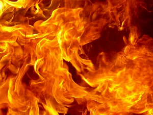 Заживо сгорели 7 человек в многоквартирном доме, среди них дети: трагедия в Ростове