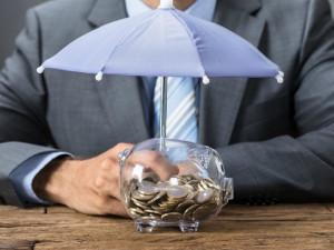 С планами на будущее. Добровольные пенсионные накопления хотят застраховать