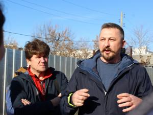 «Наши налоги идут во вред нашим семьям»: жители улицы Братьев Кашириных высказались об установке шумозащитных экранов