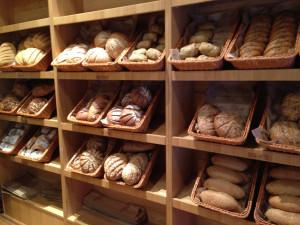 Самый дорогой хлеб в Санкт-Петербурге, подешевле - в Челябинске