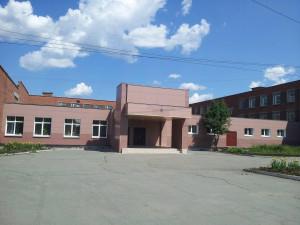 В Челябинске из окна школы выпал ребенок