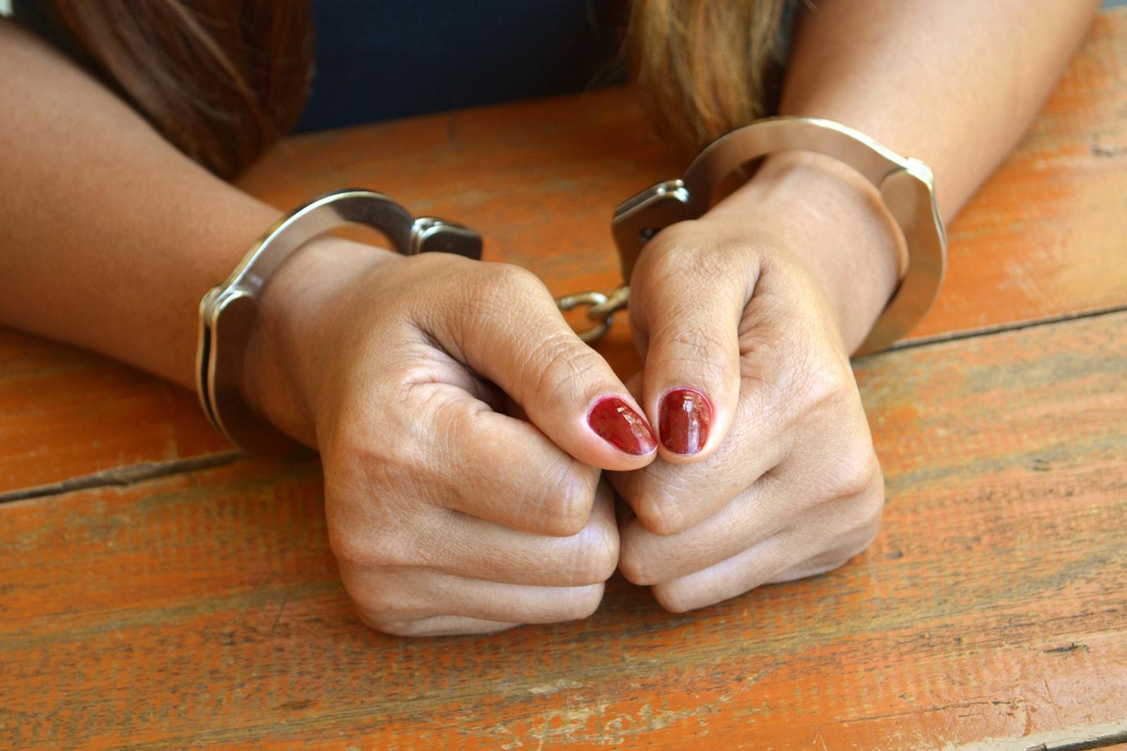 Дама из Погара залезла в дом соседа и украла технику
