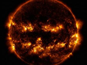 NASA опубликовало пугающее фото Солнца к Хэллоуину