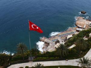 Турция переполнена российскими туристами. Но и Крым не отстает