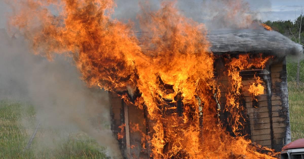 В Злынке сгорел сарай