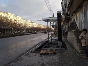 В Челябинске возводят остановочный пункт без возможность его обойти