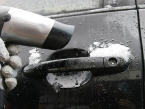 Как не заморозить автомобиль, рассказал автоэксперт