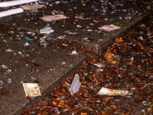 Улицу засыпало деньгами. Воры не рассчитали объемы взрывчатки для банкомата