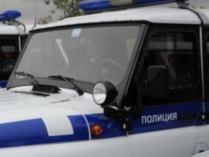 Полицейский сломал себе ногу, пиная задержанного