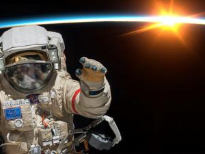 Рогозин решил с непрофессионализмом «в космосе» покончить за 2 года, грустно шутят в Сети