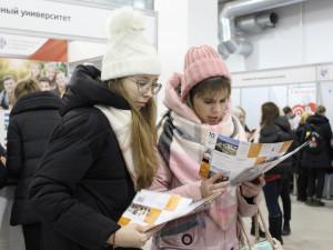 Выставка «Город профессий» начала работу в Челябинске
