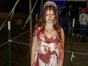 Спасатели сочли мертвой девушку в костюме для Хэллоуина