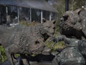 Памятник загрызенному волками в Нью-Йорке туристу поставили в одном из парков