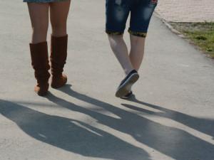 Мальчиков в России рождается больше, чем девочек, но мужчин меньше, чем женщин