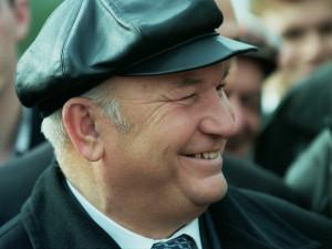Умер Юрий Лужков. Легендарному мэру и пчеловоду было 83 года