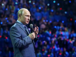 Путин признался волонтерам, от чего он становится добрее