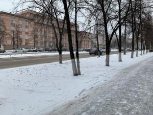 Заборы исчезают с улиц Челябинска. Свободней стало на проспекте Ленина