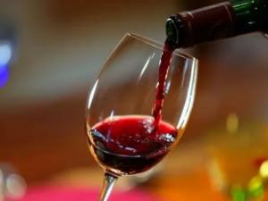 Два совета «не переборщить» с алкоголем дал нарколог