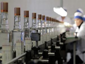 Когда не надеешься на Пенсионный фонд. Три пенсионерки запустили завод по производству алкоголя на Урале