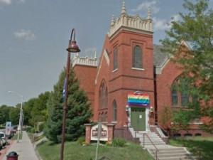 За сожженный флаг ЛГБТ мужчину приговорили к 15-летнему сроку