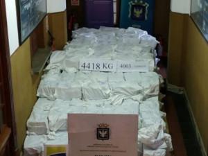 Кокаин на 1 миллаирд долларов прятали в контейнерах с соевой мукой