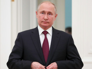 Путин подписал закон о временном запрете на выезд за границу для бывших сотрудников ФСБ