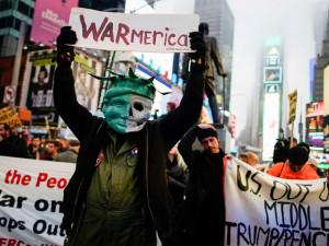 Возмущенные убийством генерала Сулеймани вышли на улицы США