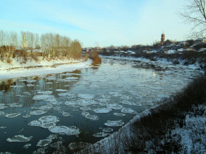 Уральский подросток на руках вынес из реки тонущую старушку