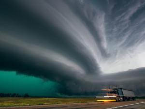 В ожидании страшного шторма замерли штаты на западе США (видео)