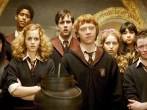 Создатели фильмов о Гарри Поттере готовят продолжение: события развернутся 20 лет спустя