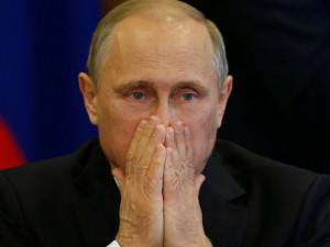 «Помешанный на безопасности Путин не доверяет своему окружению»
