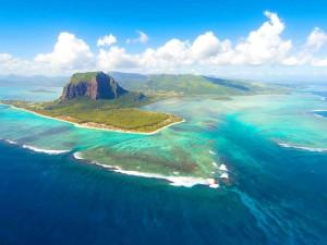 Новый год под угрозой: Острову Маврикий угрожают 16-метровые цунами