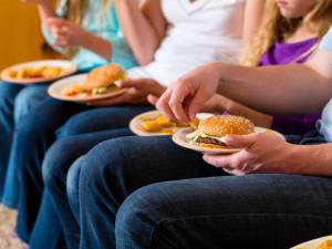 «Нездоровая еда» нарушает функции гиппокампа мозга