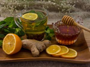 Чеснок, маска, чай, морс с клюквой и противовирусные: чем пользуетесь вы?