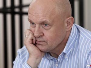 Бывший глава администрации Челябинска уехал из России