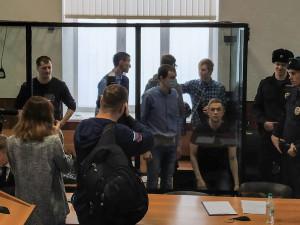 Возмущение приговором по делу «Сети» высказал Владимир Познер