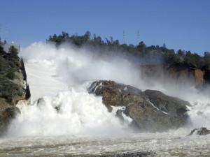 Угроза затопления Силиконовой долины заставляет осушить огромное водохранилище (видео)