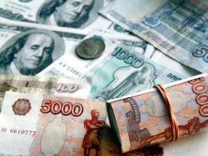 100 рублей за доллар? Нефтяная война Саудовской Аравии и России может обрушить курс российской валюты
