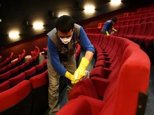 Клубы, кинотеатры и развлекательные центры закрывают в России из-за коронавируса