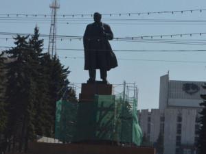Ленин и теперь живее всех живых?