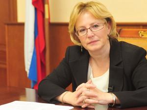 Жить с коронавирусом Россия будет до лета