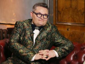«Модный приговор»: ведущий Александр Васильев слег с двусторонней пневмонией вслед за Бабкиной