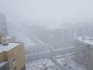 Сильный ветер, дождь, переходящий в снег. Южноуральцам все равно, они на самоизоляции