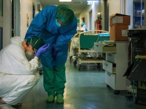 Еще два человека с коронавирусом скончались в Челябинской области